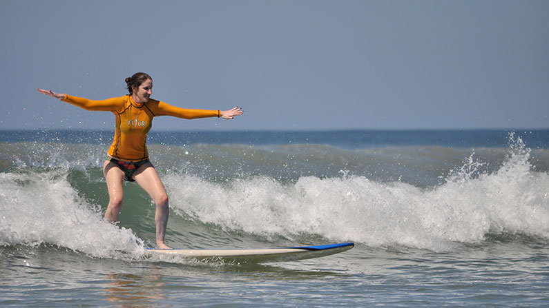surf-lessons-new-3